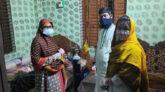 গভীর রাতে অক্সিজেন নিয়ে করোনা রোগীর বাড়িতে হাজির ইউএনও